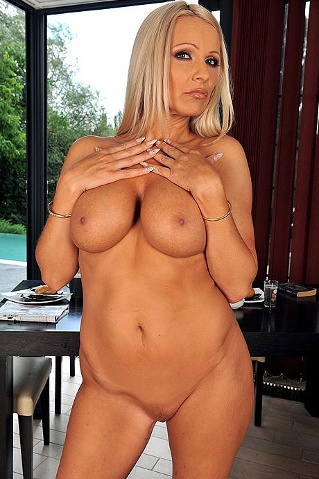 Порно актрисса винни фото 235-544