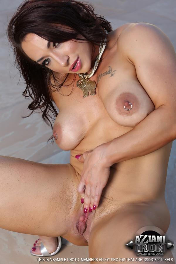 Смотреть бесплатное порно с порноактрисой мэй 28 фотография