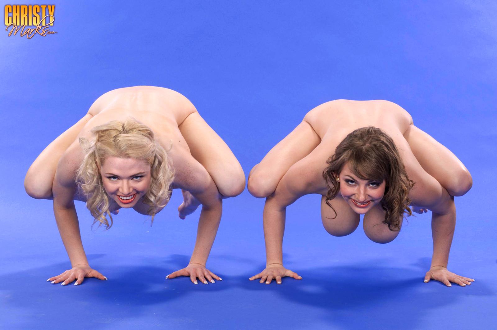 Соревнования голых гимнасток онлайн 14 фотография