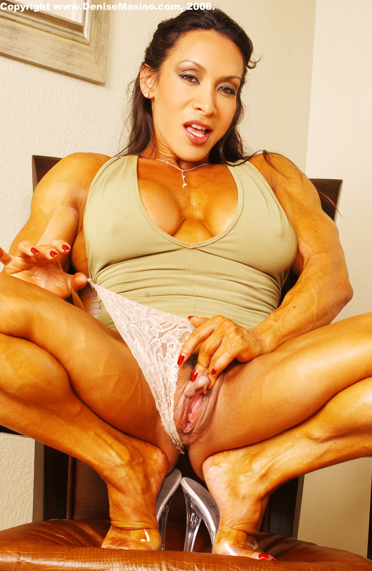 nude muscle women with dildo